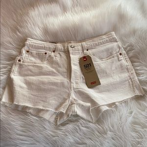NWT HIGH WAISTED WHITE LEVI 501 SHORTS